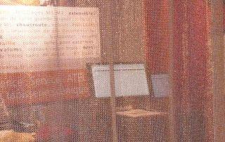 Der Kettenvorhang ist ein langwieriger und edler Raumtrennser auf Messen