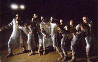 Verwendung von Kettenvorhängen bei Thaterkostümen Persians by the National Theatre of Greece