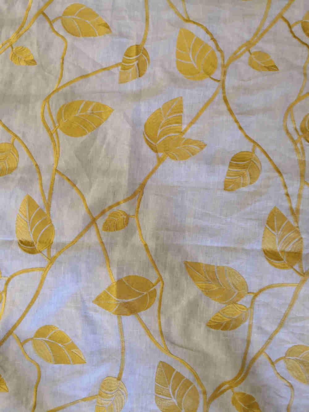 73.31368 Eltville yellow linen embroidert € 49.50