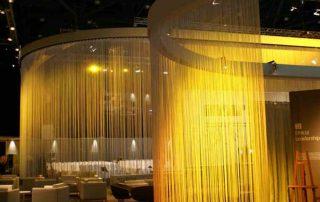 Fransenvorhang zur Raumtrennung im Restaurant / Hotel
