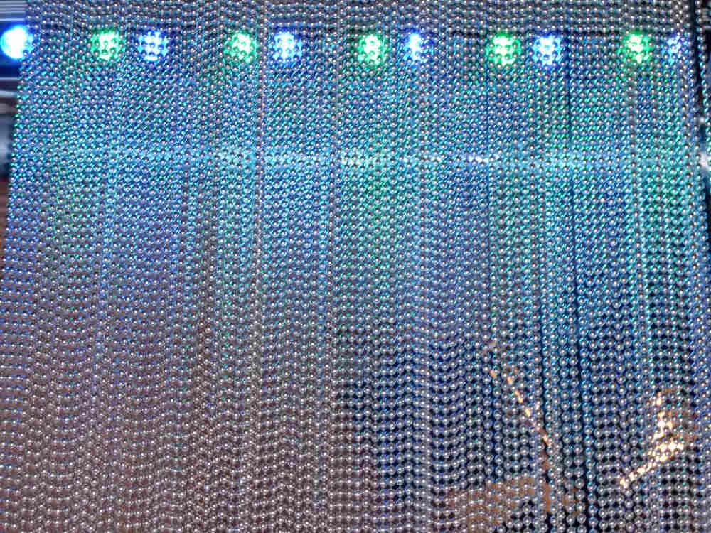 beleuchteter Perlenvorhang